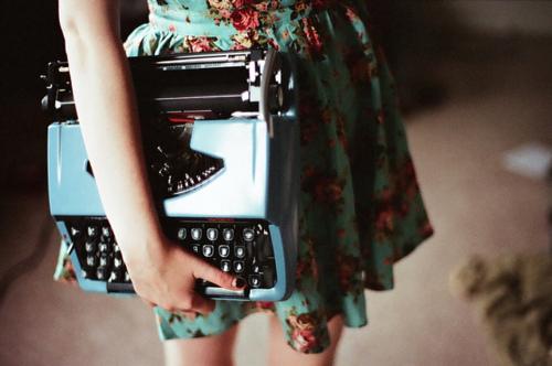 scrivere-errori-blog-rete-macchina-da-scrivere-refusi-non-si-dice-piacere