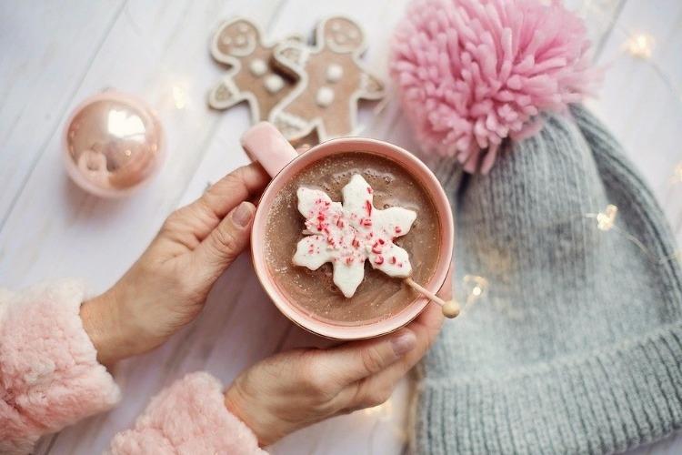 16.Pink cozy weekend festive breakfast by vitaincasa (1)